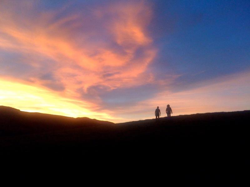 sunsetonhillbackground